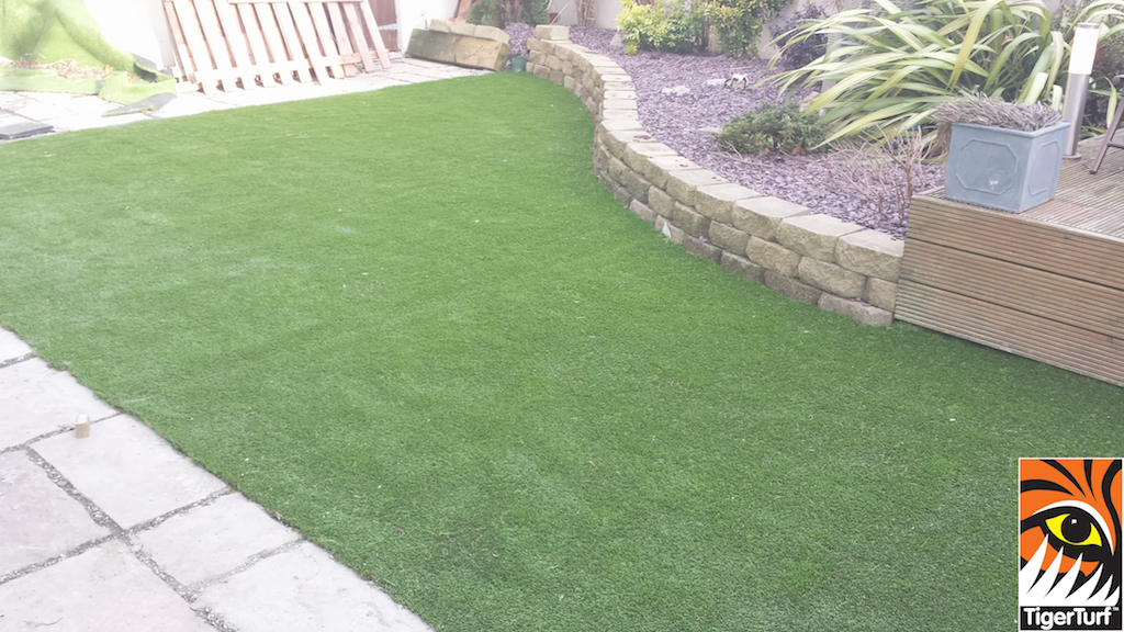 curving lawn