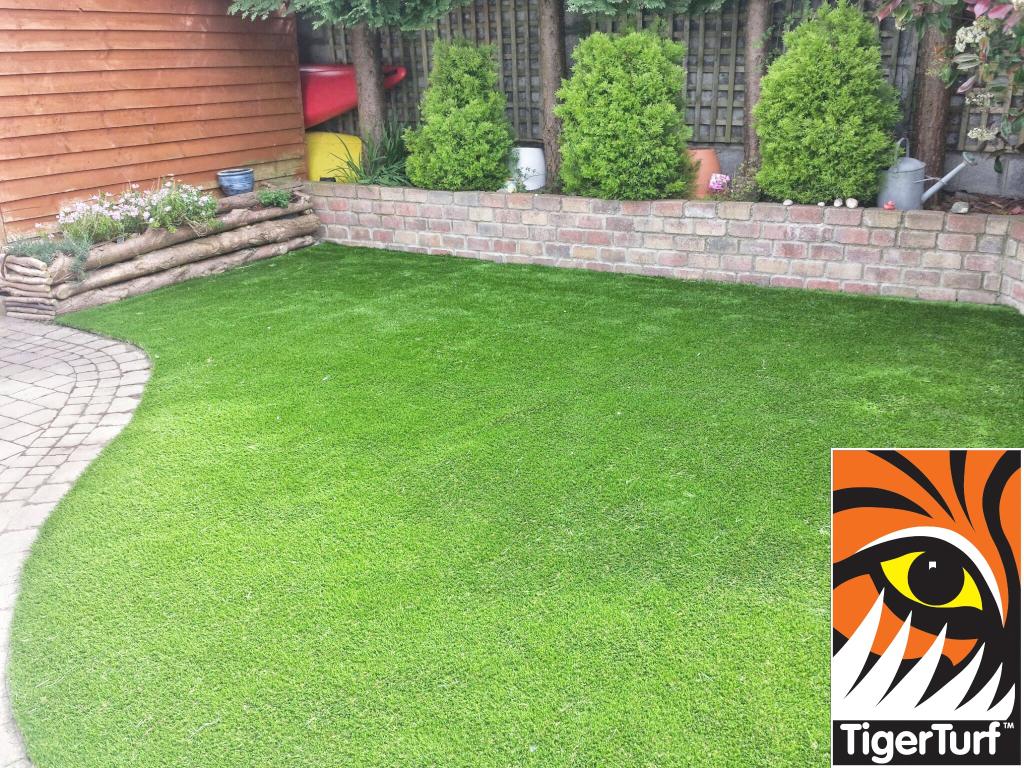 Synthetic Garden Grass Lawn