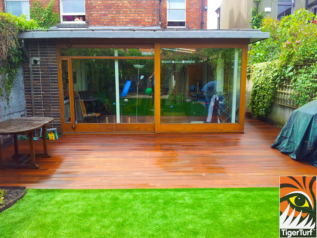 decking and lawn turf 717.jpg