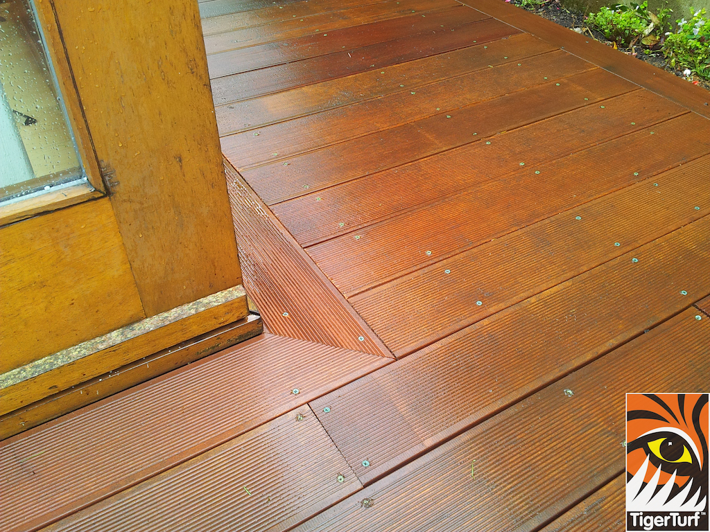 decking and lawn turf 702.jpg