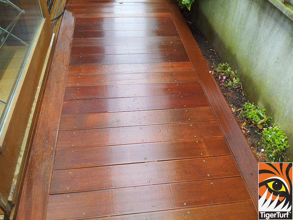 decking and lawn turf 703.jpg