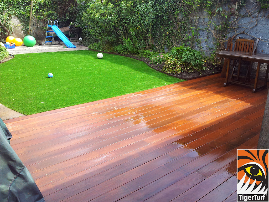 decking and lawn turf 709.jpg
