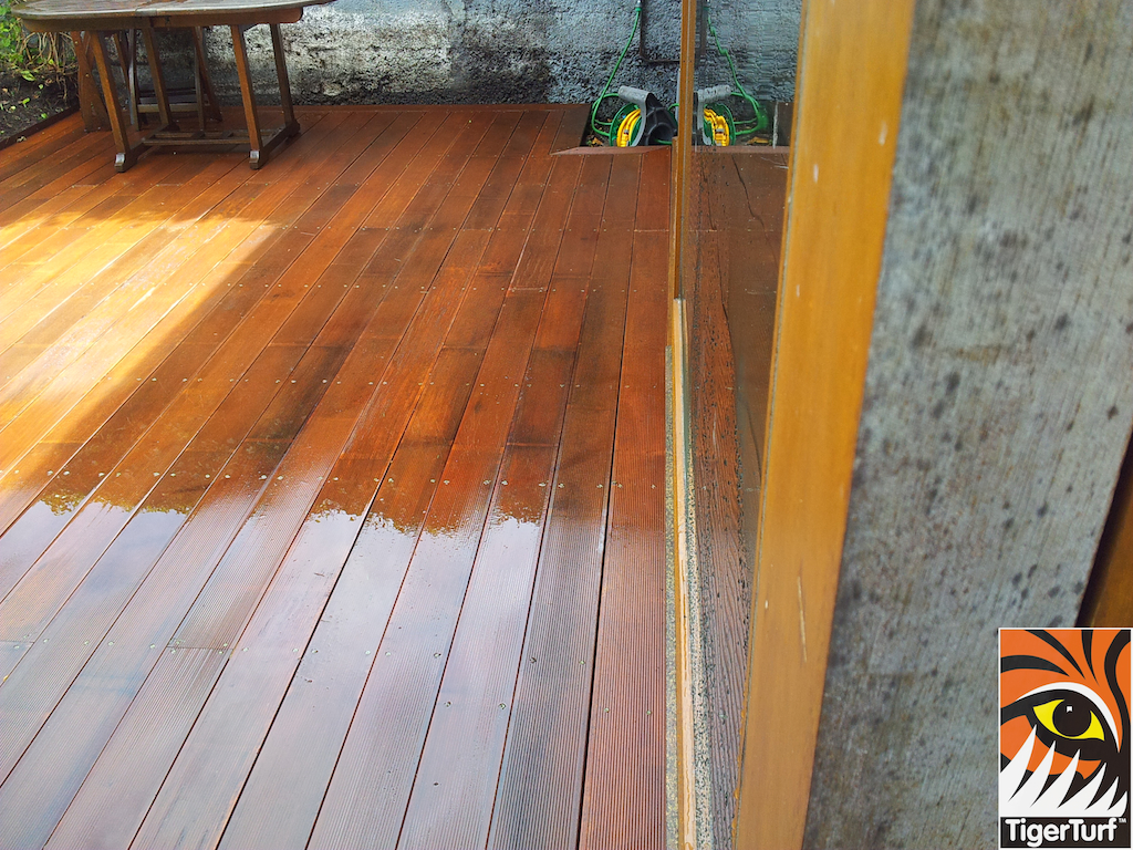 decking and lawn turf 712.jpg
