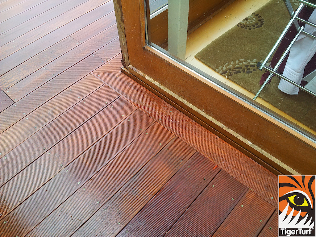 decking and lawn turf 713.jpg