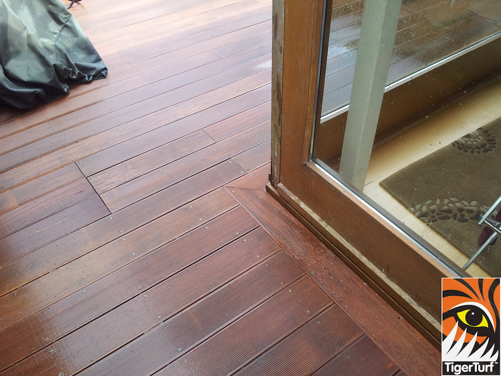 decking and lawn turf 715.jpg