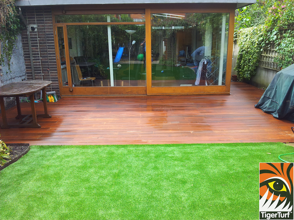 decking and lawn turf 718.jpg