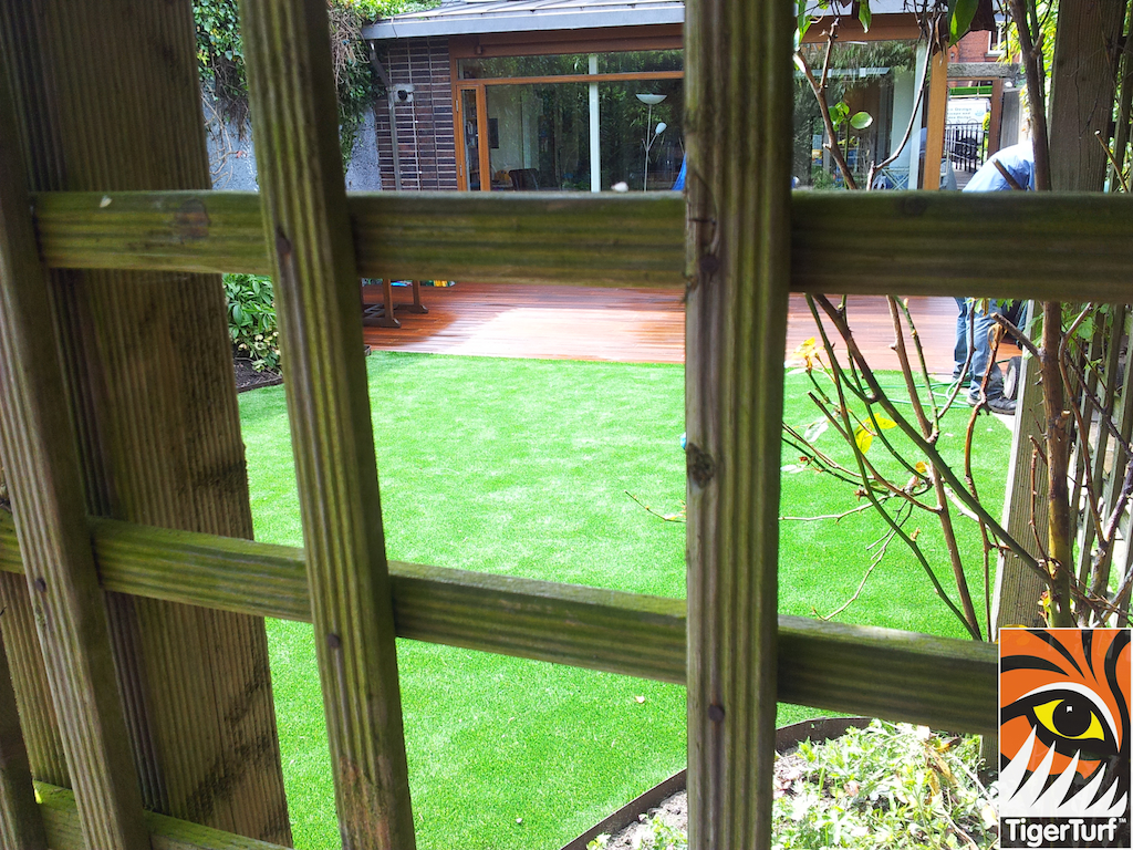 decking and lawn turf 722.jpg