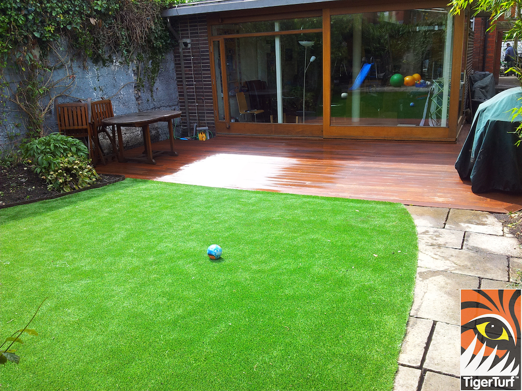 decking and lawn turf 728.jpg