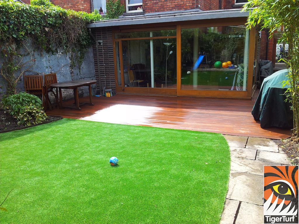 decking and lawn turf 729.jpg