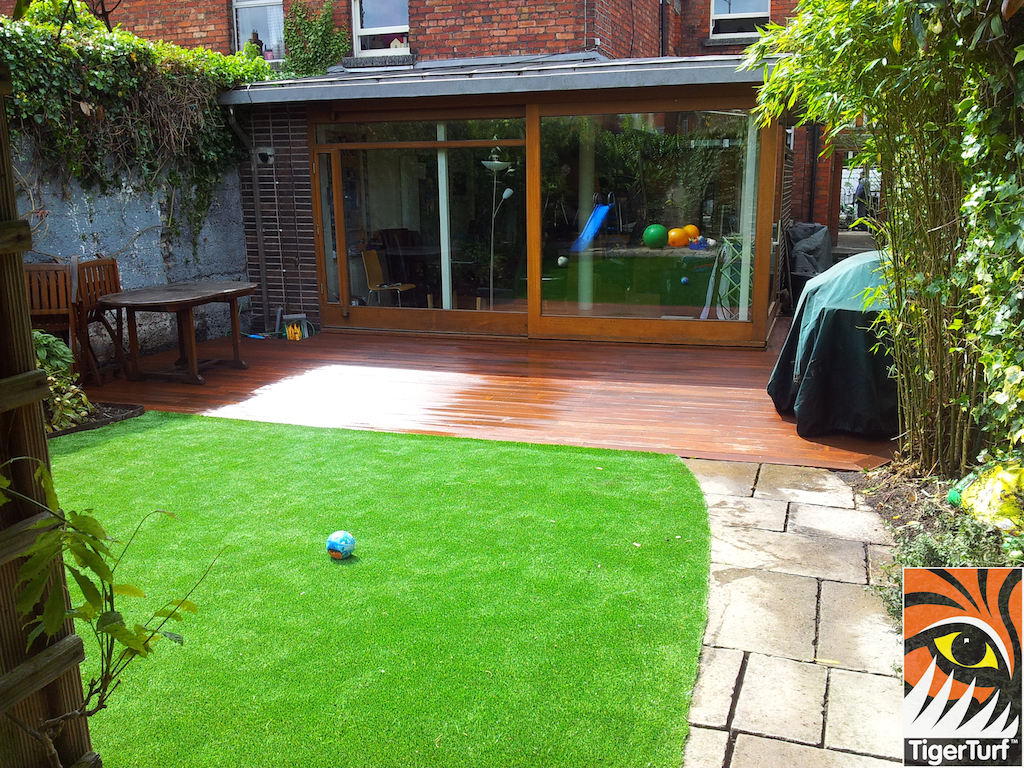 decking and lawn turf 730.jpg