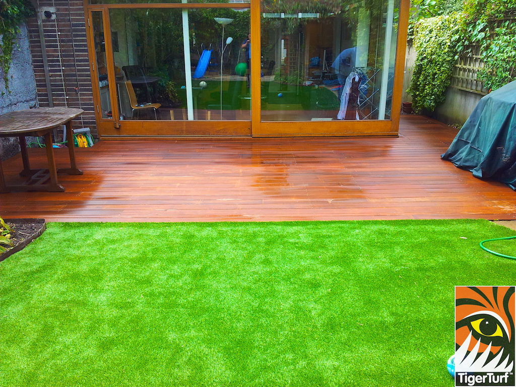 decking and lawn turf 744.jpg