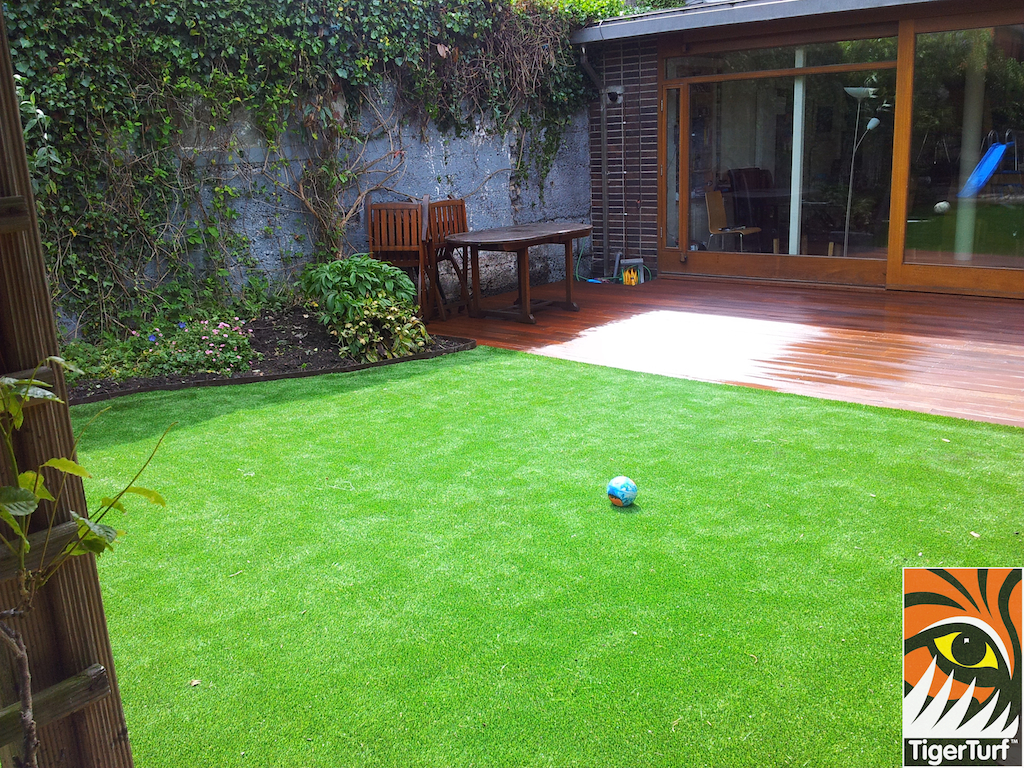 decking and lawn turf 745.jpg