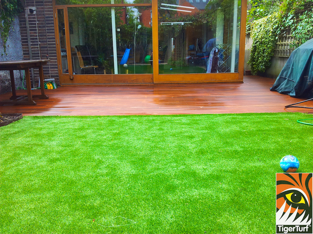 decking and lawn turf 752.jpg