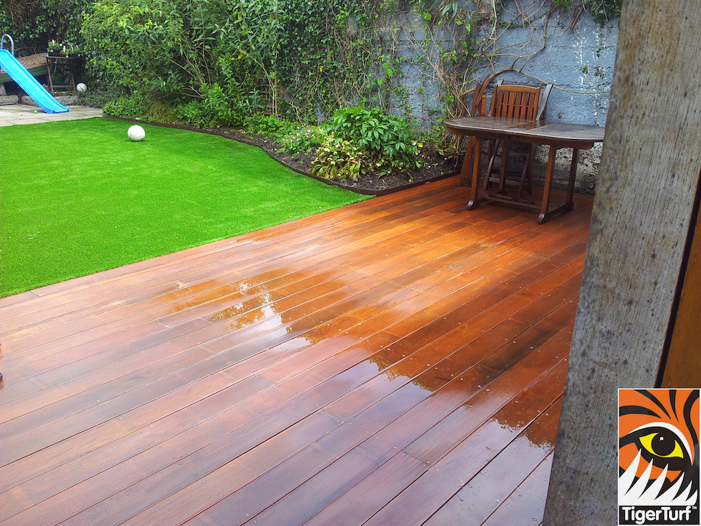 decking and lawn turf 759.jpg