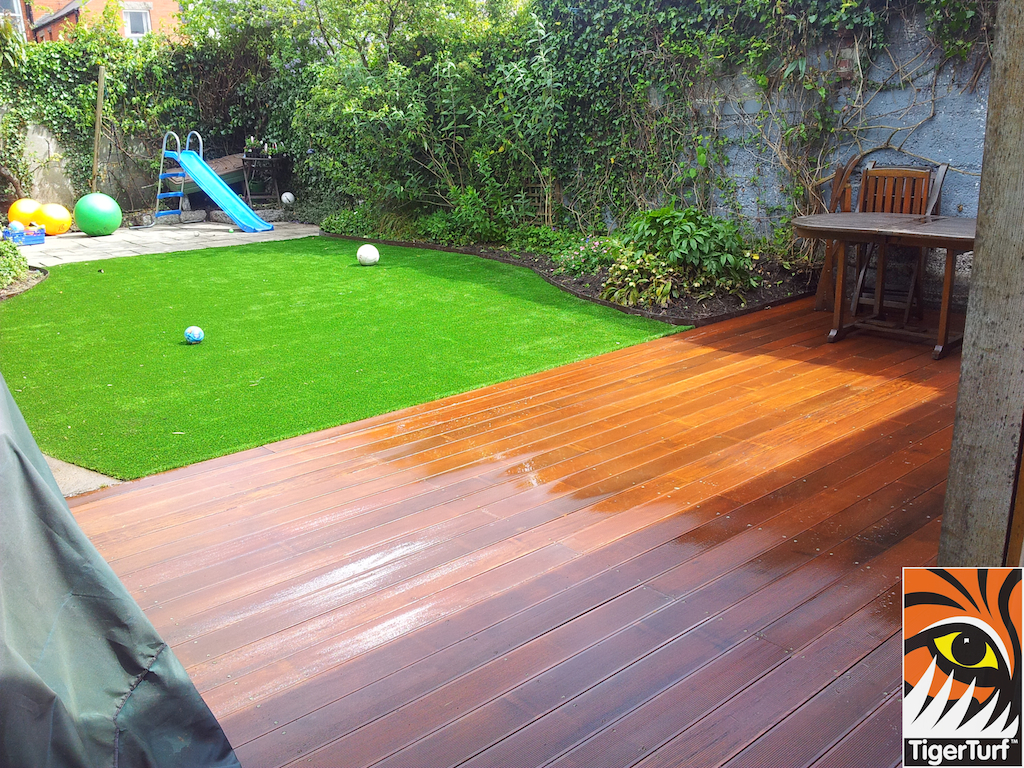 decking and lawn turf 773.jpg