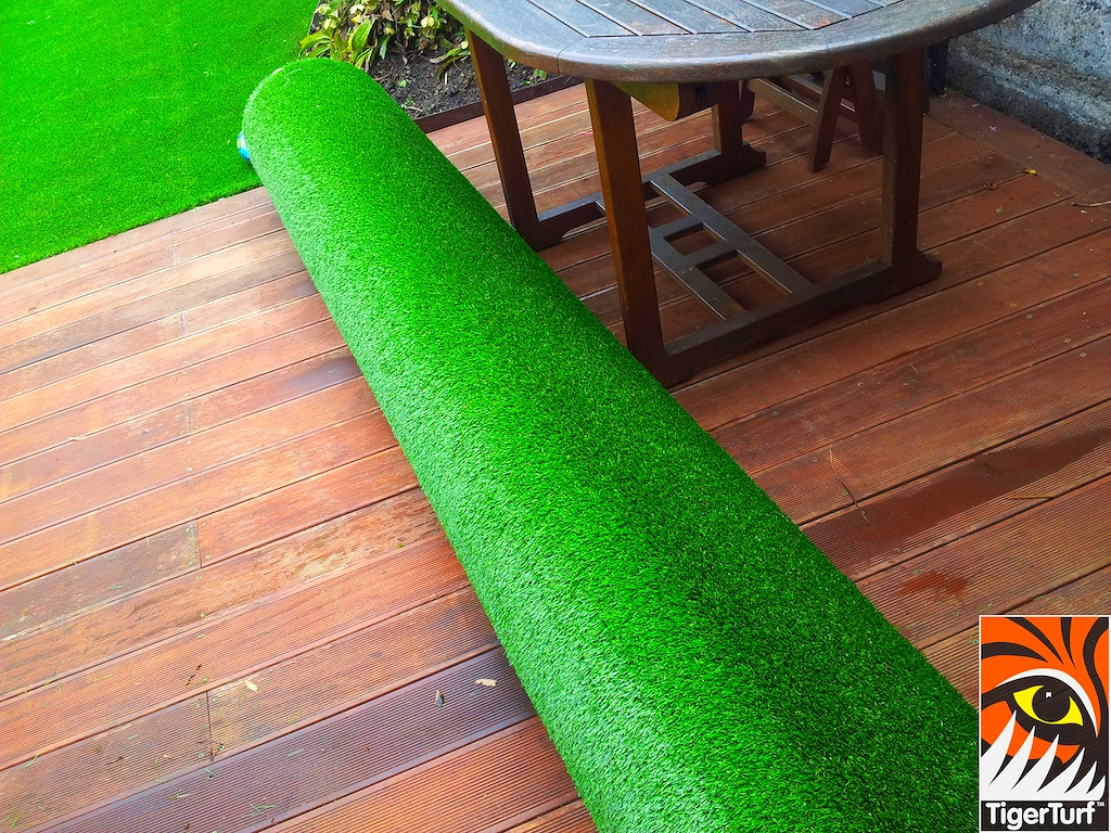 decking and lawn turf 660.jpg