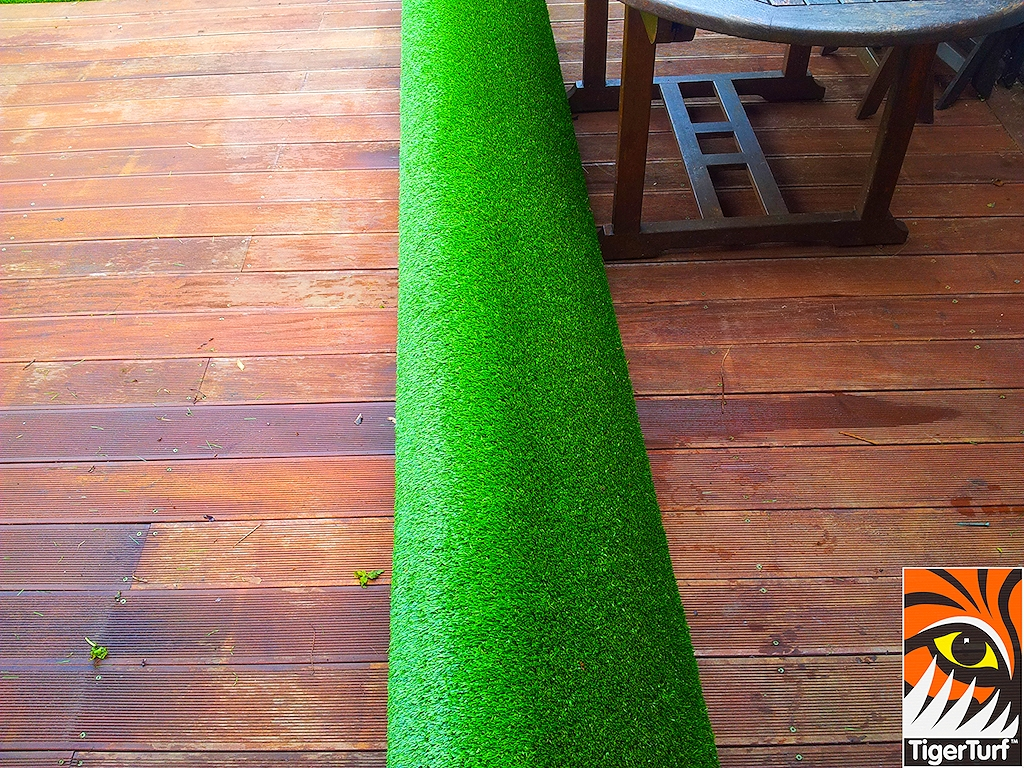 decking and lawn turf 670.jpg