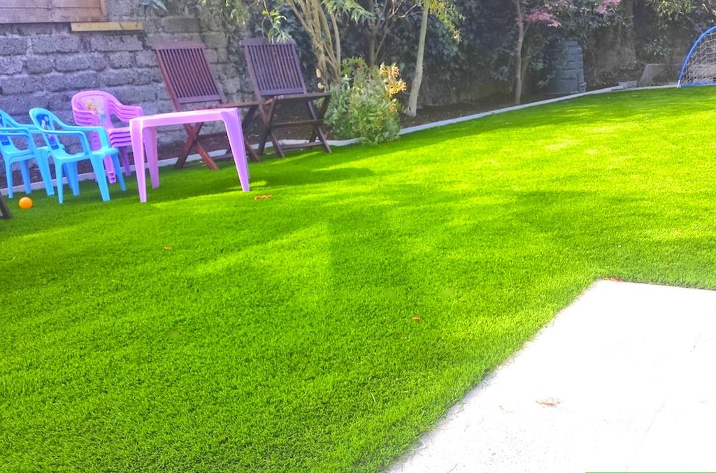 Garden design with TigerTurf Lawn 74.jpg