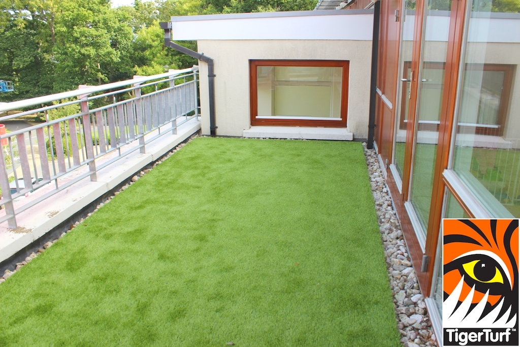 TigerTurf luxurious Lawn on New balcony