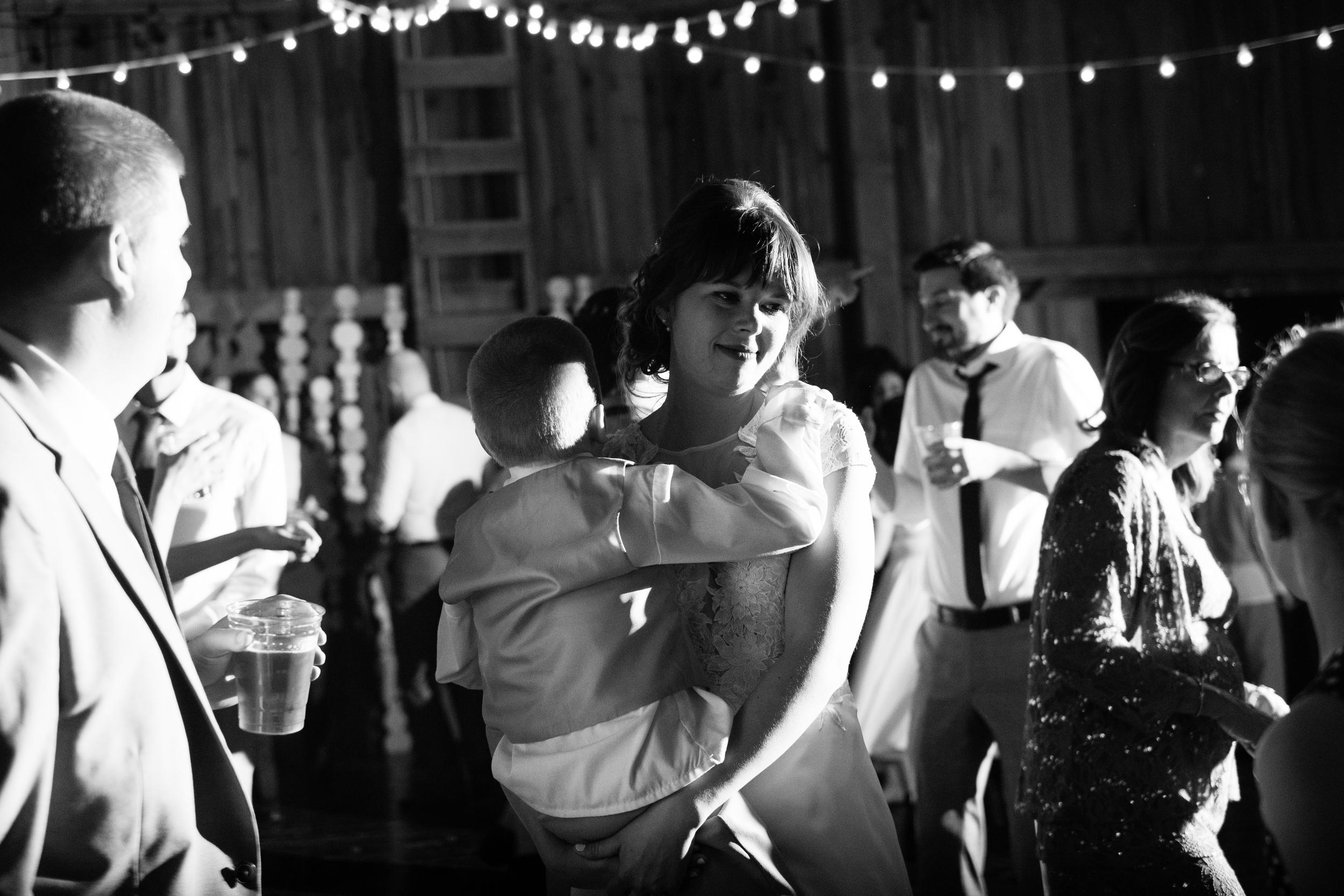 Todd_Emily_Sutliff_Wedding_Iowa-111.jpg