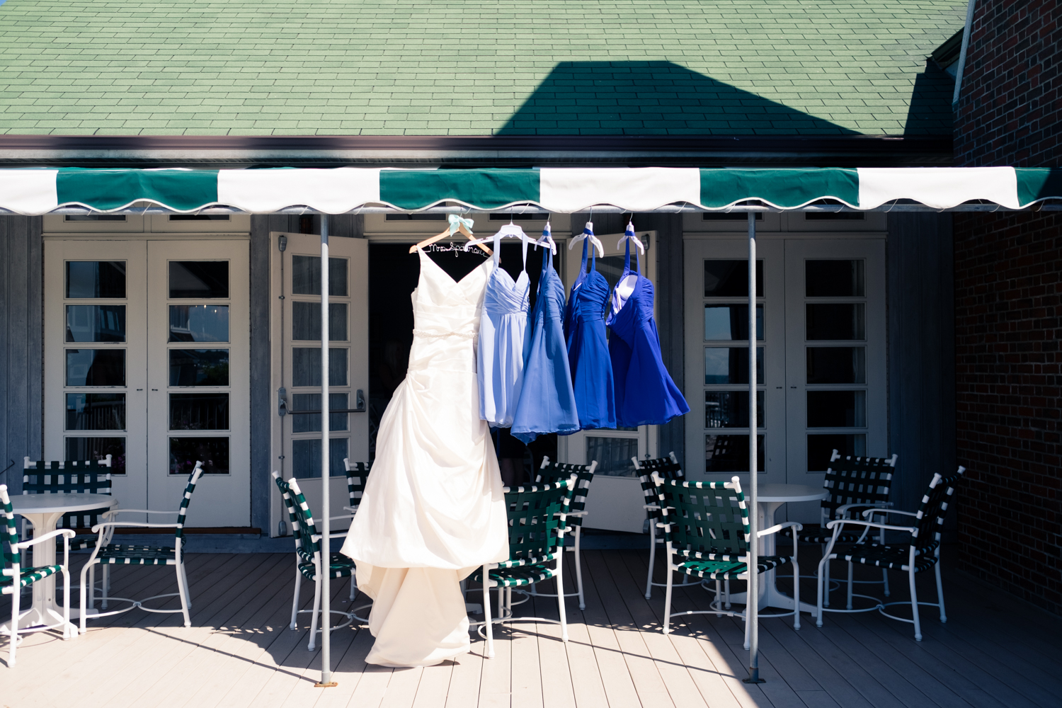 Kristen_Travis_Narragansett_Wedding-6.jpg