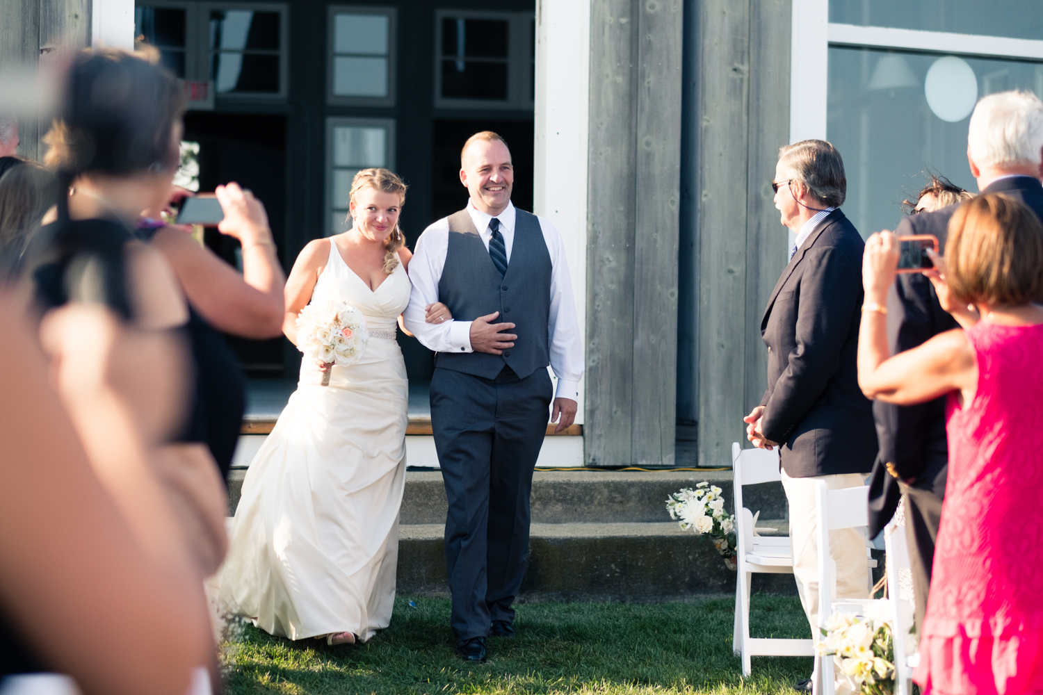 Kristen_Travis_Narragansett_Wedding-19.jpg