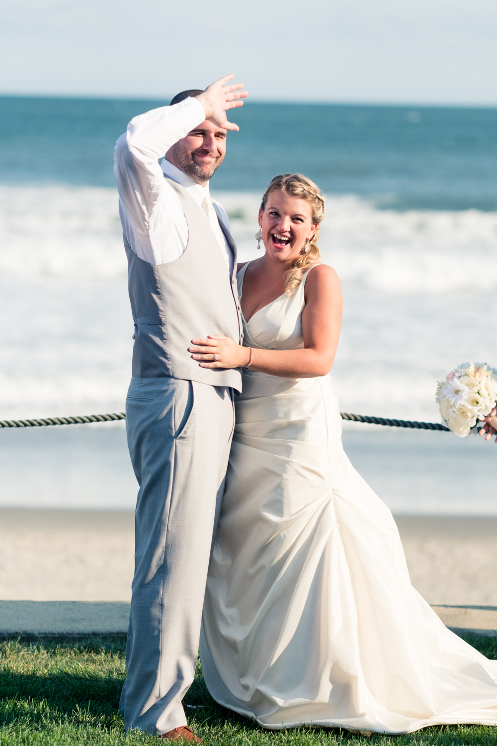 Kristen_Travis_Narragansett_Wedding-22.jpg