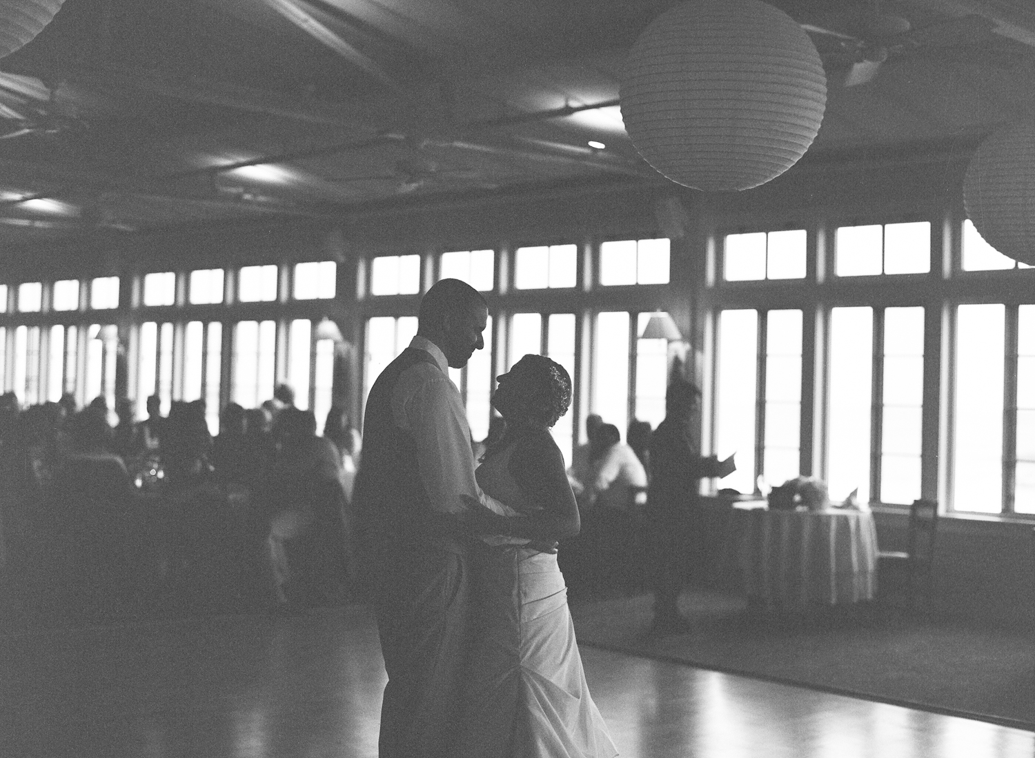 Kristen_Travis_Narragansett_Wedding-31.jpg
