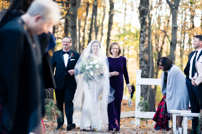 Kim_Andrew_Flanagan_Farm_Maine_Wedding-46.jpg