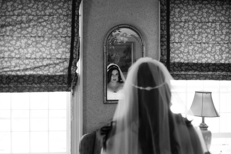Tiare_Dan_BeeandThistleInn_Connecticut_Wedding-4.jpg