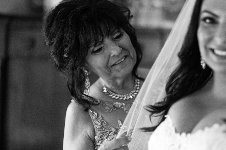Tiare_Dan_BeeandThistleInn_Connecticut_Wedding-5.jpg
