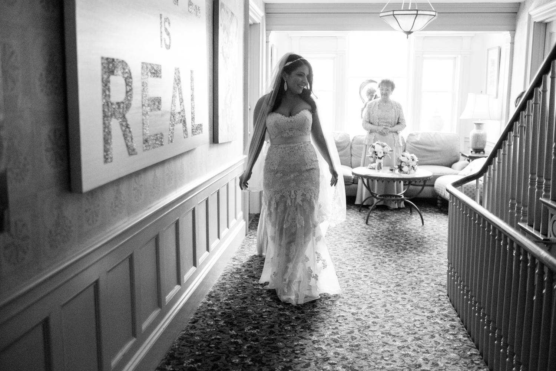 Tiare_Dan_BeeandThistleInn_Connecticut_Wedding-6.jpg