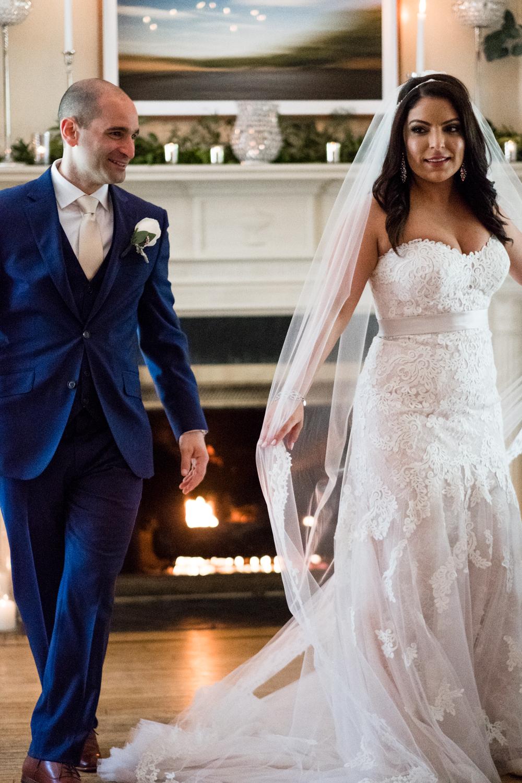 Tiare_Dan_BeeandThistleInn_Connecticut_Wedding-8.jpg