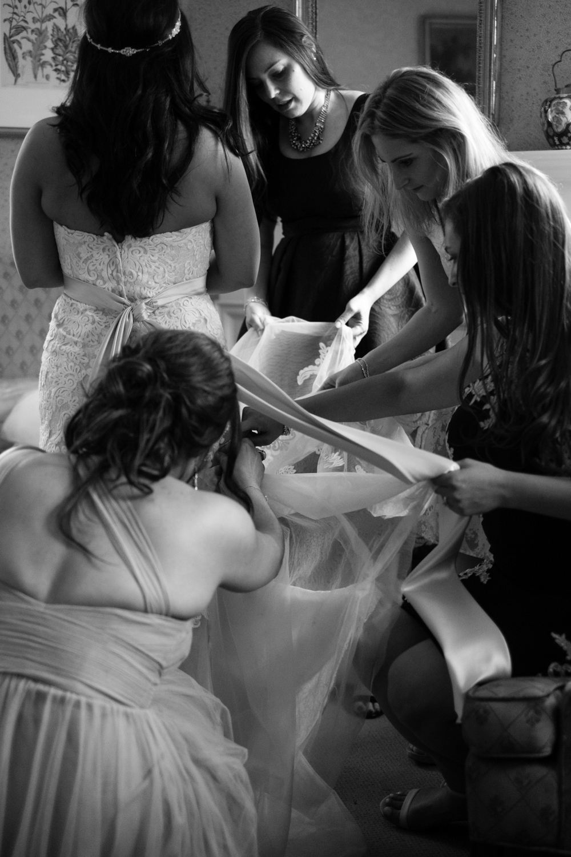 Tiare_Dan_BeeandThistleInn_Connecticut_Wedding-16.jpg