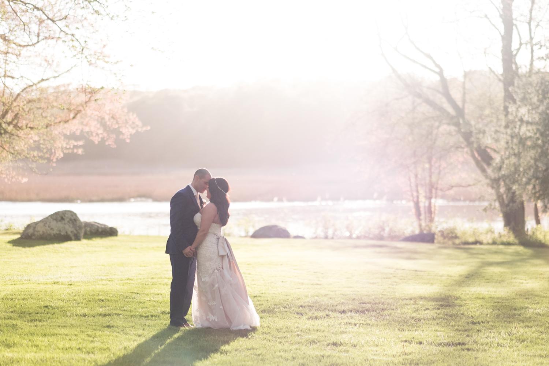 Tiare_Dan_BeeandThistleInn_Connecticut_Wedding-20.jpg