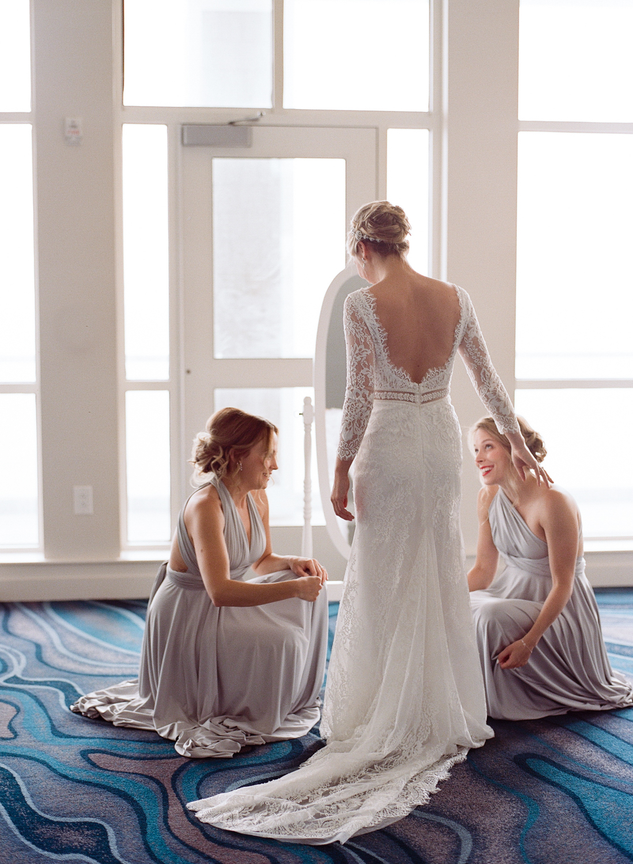 Alia_Ryan_Cliff_House_Maine_Wedding-13.jpg