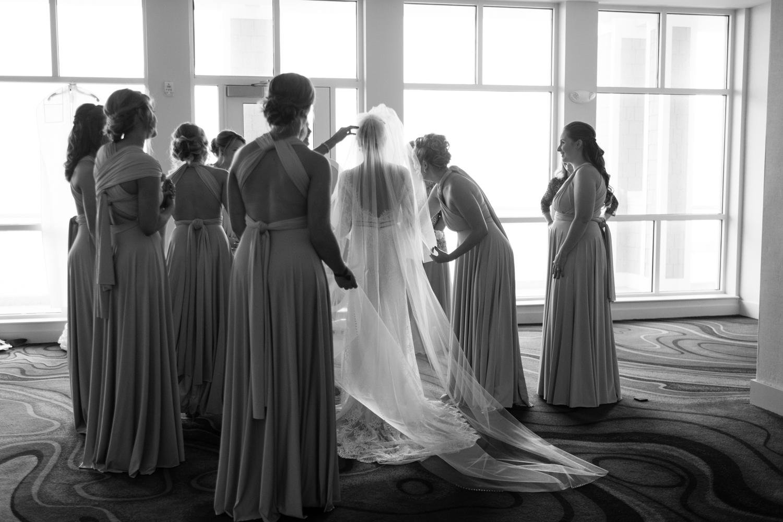 Alia_Ryan_Cliff_House_Maine_Wedding-17.jpg