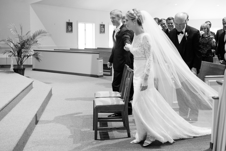 Alia_Ryan_Cliff_House_Maine_Wedding-33.jpg