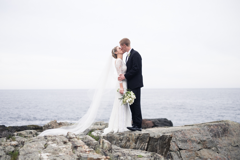 Alia_Ryan_Cliff_House_Maine_Wedding-75.jpg