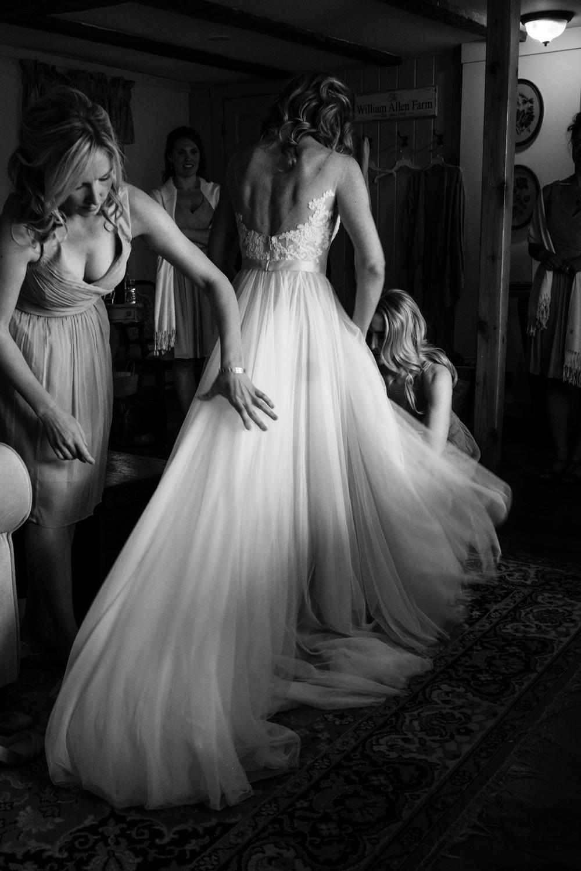 Kirsten_Zack_Maine_Wedding-17.jpg