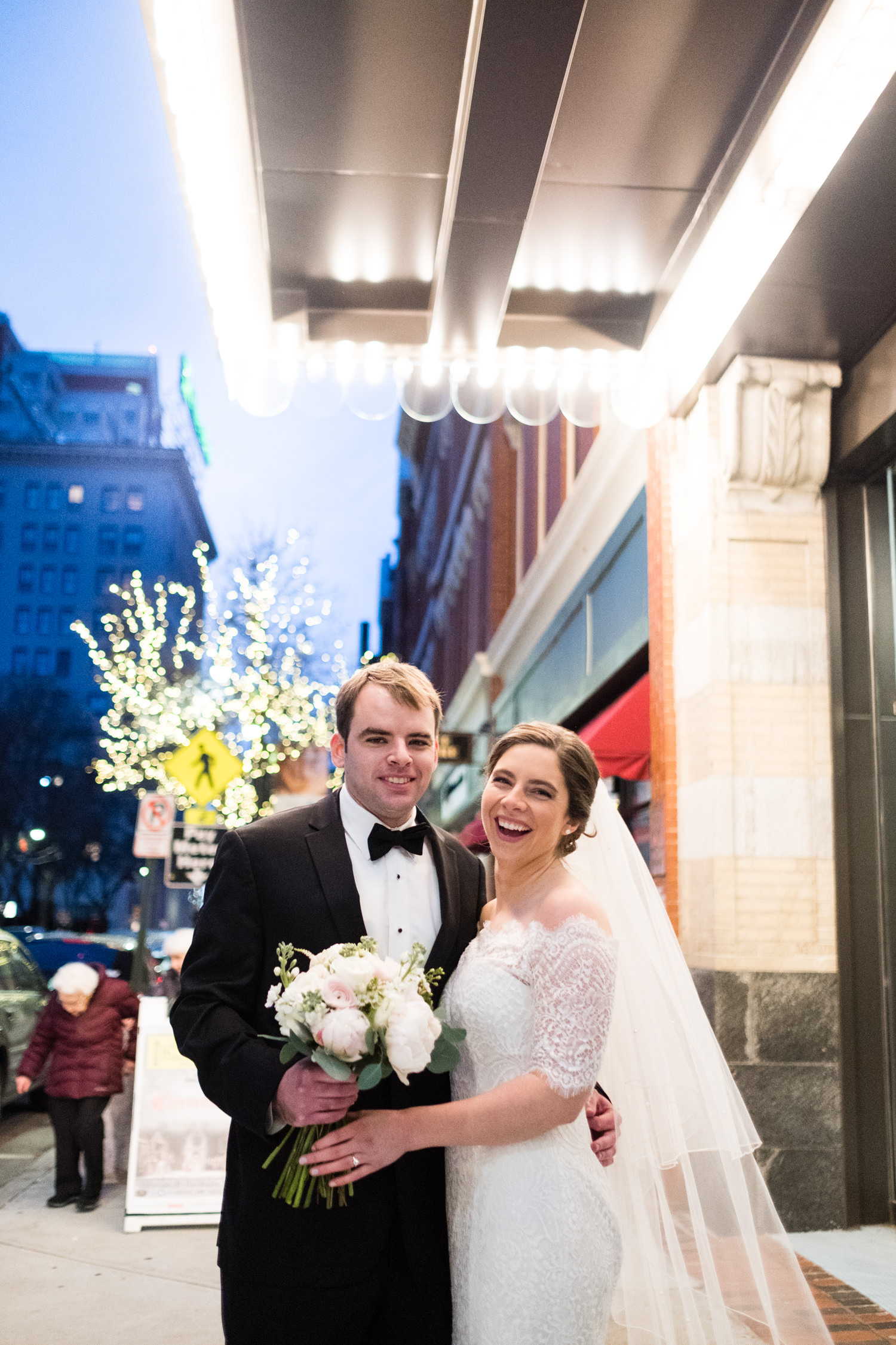 Kate_Phil_Currier_Museum_Wedding_New Hampshire-26.jpg