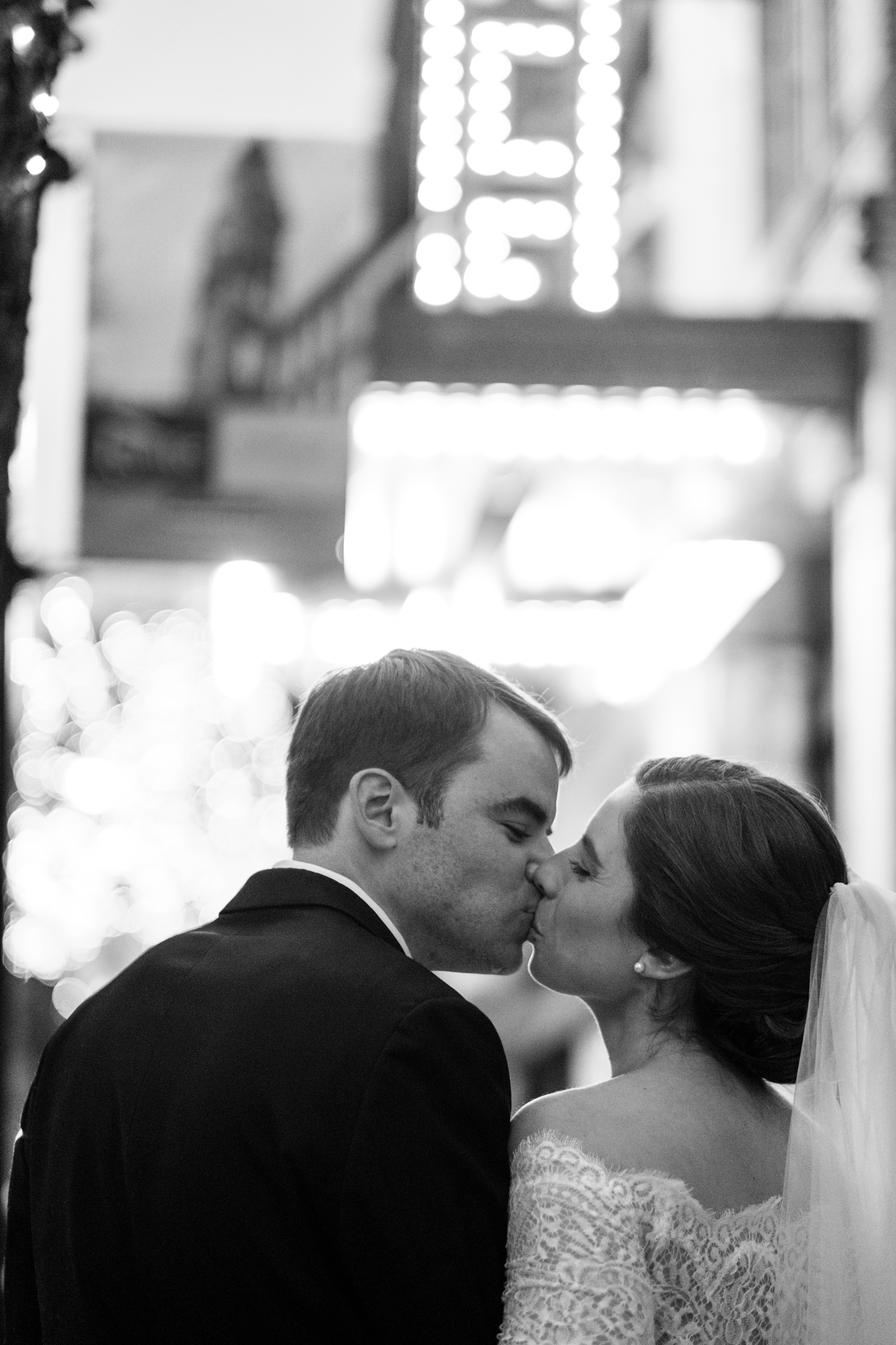 Kate_Phil_Currier_Museum_Wedding_New Hampshire-27.jpg