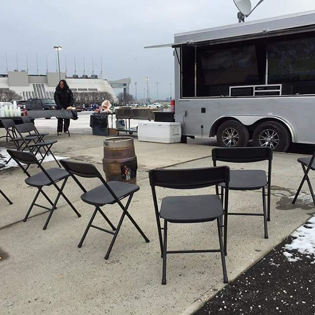 Getting ready for our clients earlier this morning, with our keg heater burnin hot to keep toasty! #tailgate #tailgateparty #tailgatemafia #sundayfunday #giantseagles #newyorkgiants #giants #gmen #nyg #philadelphiaeagles #eagles #phi #parkinglotparty