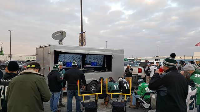 Congrats to the Philadelphia Eagles on winning the NFC Championship last night...A great finish after an awesome day of tailgating in Philly! #tailgate #tailgates2go #tailgateparty #thetailgatemafia #parkinglotparty #philadelphiaeagles #flyeaglesfly