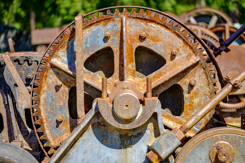 I really like how well this lens gives you a feeling of depth, even when shooting directly at something like this old rusty gear.