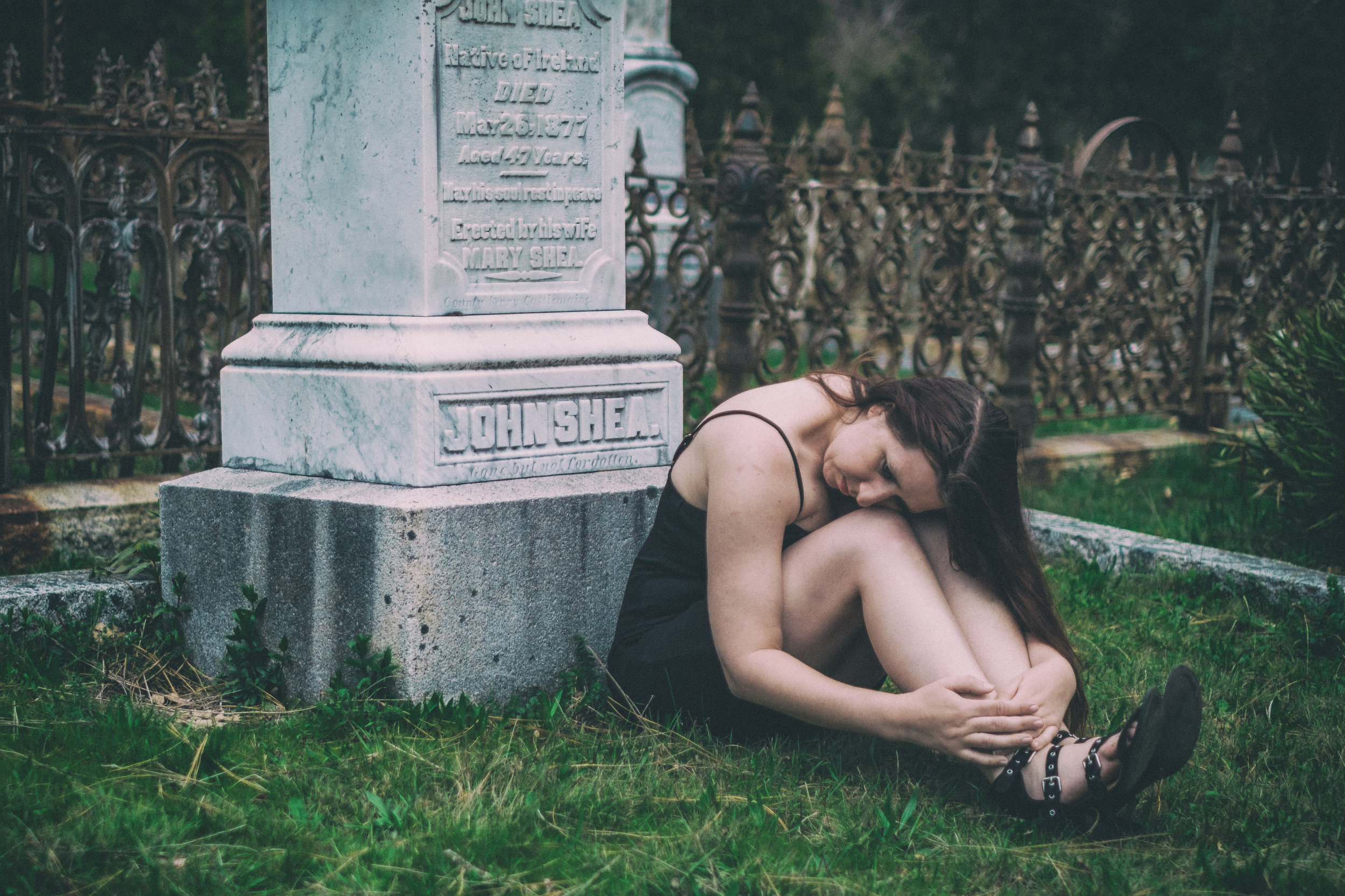 After taking photos at the tulip garden, we headed down to the cemetery outside downtown Nevada City for some moody and emotional portraits.