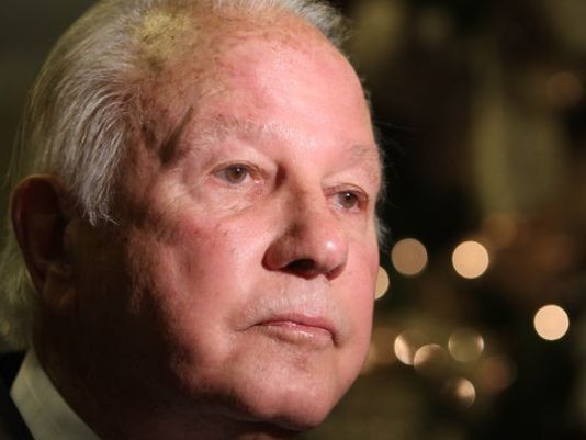 http://www.theadvertiser.com/story/news/local/louisiana/2014/09/08/state-democrats-back-ex-gov-edwin-edwards-th-district/15300867/