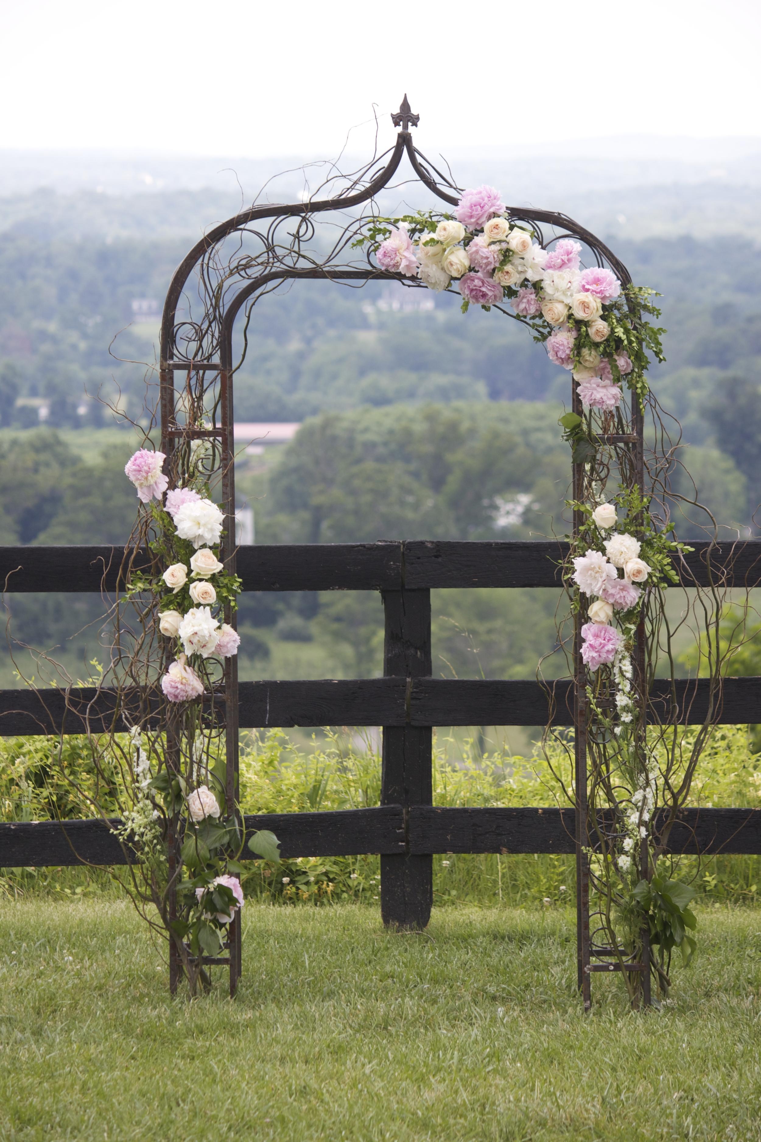 Design: J. Morris Flowers | Venue:  Bluemont Vineyard