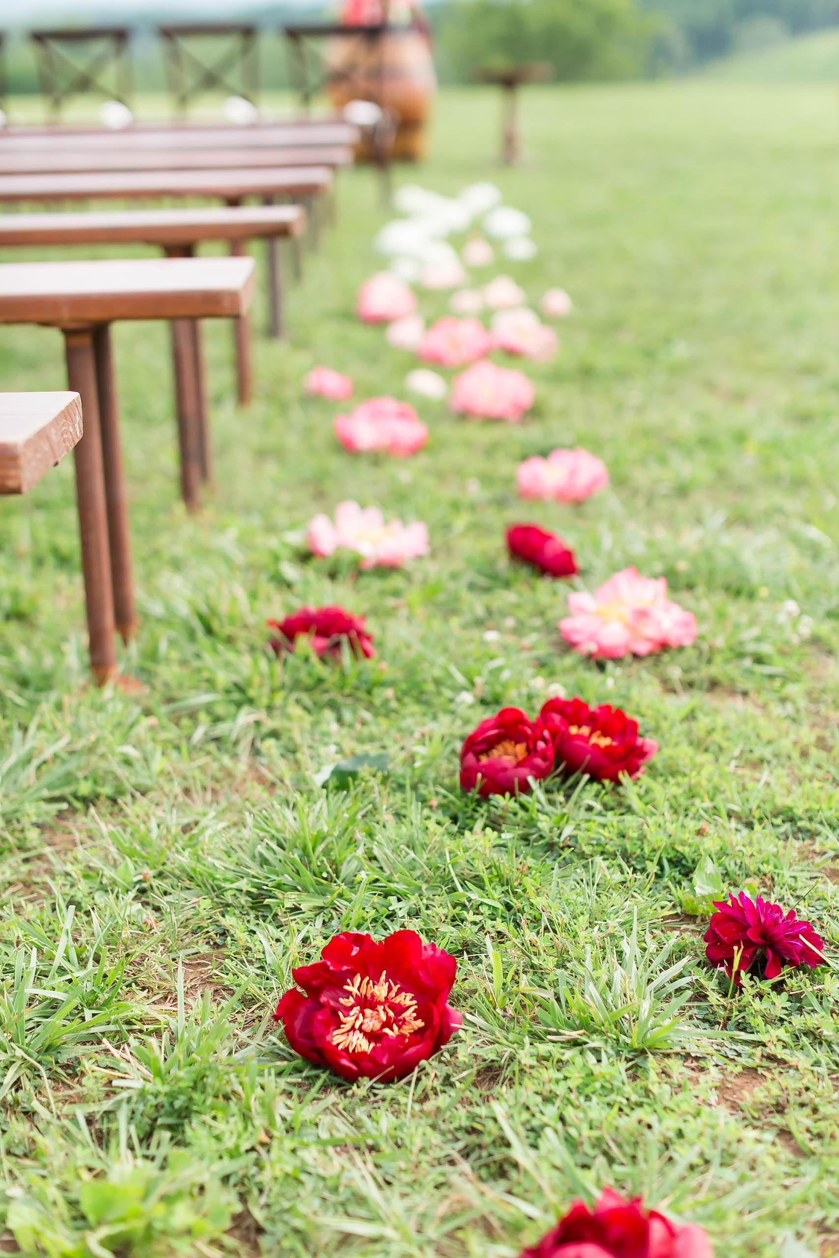 Nunely-adele-aisle-flowers.jpg