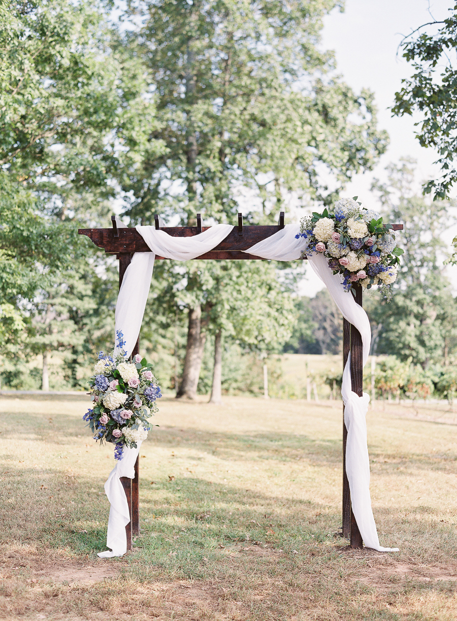On-site arch by J. Morris Flowers, photography by Ashley Relvas.